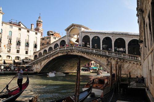 041 Rialto Bridge Venice 2009